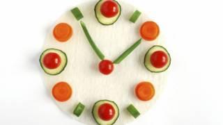 Por que mudar o horário das refeições pode ser mais saudável