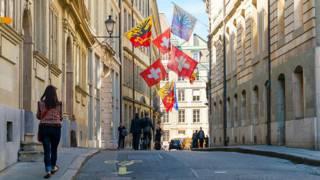 Улица старого города в Женеве