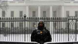 अमरीका में बर्फ़ीला तूफ़ान