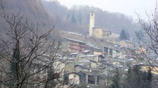 Ostana, pueblo de Italia