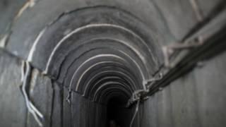 """الجيش المصري """"يكتشف نفقا خرسانيا مجهزا بوسائل اتصال"""" على حدود مصر مع قطاع غزة"""