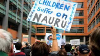 معترضان استرالیایی