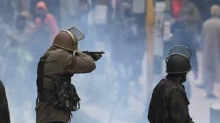 कश्मीर, सेना की गोलीबारी