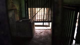 तेंदुआ का पिंजरा