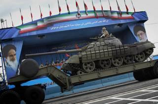Иранский танк на параде