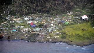 航拍斐濟科羅島村莊Mudu被氣旋夷為平地(新西蘭空軍圖片21/2/2016)