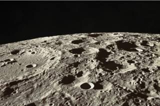 La verdadera historia de los sonidos del lado oscuro de la Luna que intrigaron a los astronautas del Apolo 10