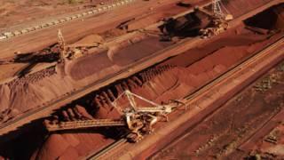 西澳州赫德兰港的必和必拓铁矿转运站(资料图片)
