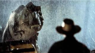 फ़िल्म में डायनोसॉर.