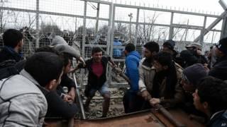 Мигранты на границе Македонии и Греции