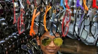 Por que os óculos de sol baratos podem ser um péssimo negócio para a visão