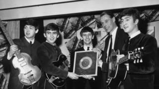 """¿Quiénes se han ganado el título de """"el quinto Beatle""""?"""