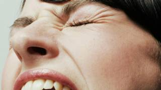 Гримаса зубной боли