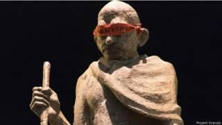 गांधी की मूर्ति