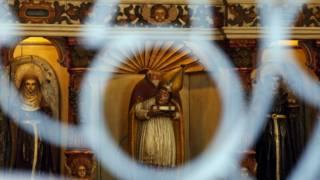 Hollanda'da cemaat olmadığı için kiliseler satılıyor