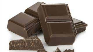 O chocolate pode mesmo te deixar mais feliz, saudável e inteligente?