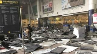 धमाके के बाद ब्रसेल्स एयरपोर्ट