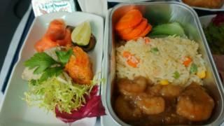 Una comida de avión