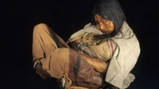 La doncella, una momia inca encontrada en el monte Llullaillaco en Argentina en 1999.