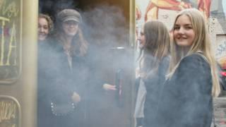 Estudantes suecas não economizaram no gelo seco Foto: BBC