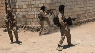 """الجيش السوري: تنظيم الدولة """"استخدم غاز الخردل"""" في هجوم على مطار دير الزور"""