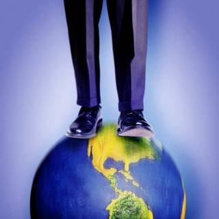 Огромные ноги на планете Земля