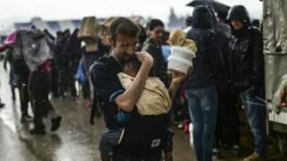 仍有數千非法移民滯留在希臘與馬其頓邊境小鎮伊多梅尼