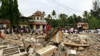Hiện trường sau vụ nổ ở đền thờ Ấn Độ