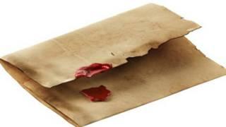 Вскрытый конверт со сломанной печатью