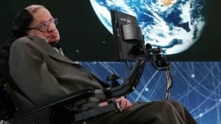 El ambicioso proyecto para hacer viajes interestelares que respalda Stephen Hawking