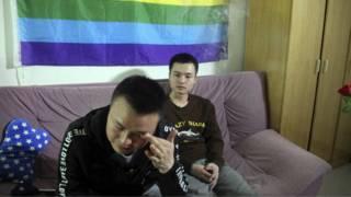 孙文麟(右)与胡明亮在长沙的家中