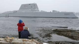 O navio invisível a radares encomendado pela Marinha dos EUA