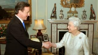 Кэмерон и королева