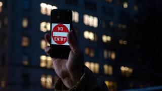 Акция протеста сторонников Apple