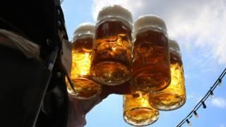 Cervezas en el Oktoberfest, Munich