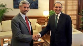 भारत के विदेश सचिव एस जयशंकर और पाकिस्तान के विदेश सचिव एजाज अहमद चौधरी.