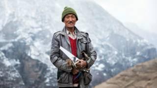 图辑:通往喜马拉雅山谷的危险公路
