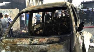 इकार में कार बम धमाका