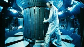 """Las compañías de fusión atómica """"secretas"""" financiadas por los millonarios"""