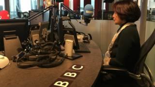 艾华在BBC新广电大楼的录音间