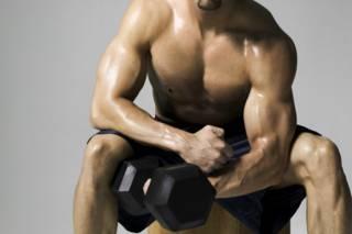 Por qué levantar pesas puede ser más beneficioso de lo que uno piensa