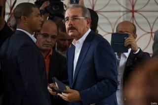 El presidente Danilo Medina se proclama ganador de las elecciones en República Dominicana, aunque el conteo de votos continúa
