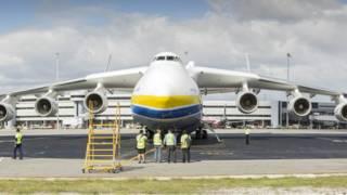 Транспортный самолет АН-225