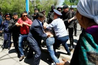 Задержание активистов