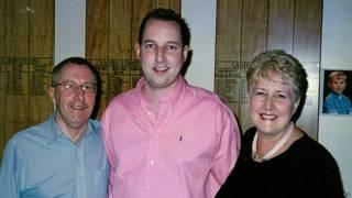 Пол Уилсон с родителями