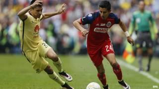 Partido de fútbol mexicano