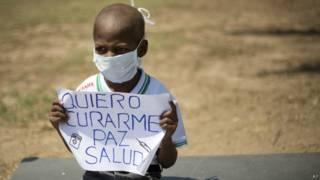Oliver Sánchez durante las protestas