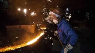 江苏常州的钢铁工人