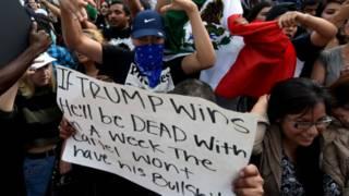 Biểu tình phản đối ong Trump