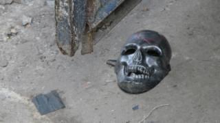 Máscara de calavera en el Bronx